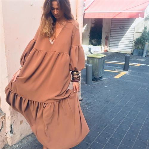 שמלת רייצל חום קאמל