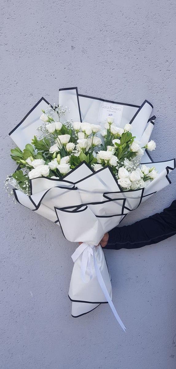 זר ליזיאנטוס לבן מניפה מקט192(תמונה שייכת לזר גדול)