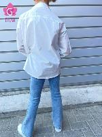 חולצה מכופתרת לבנה אופנתית