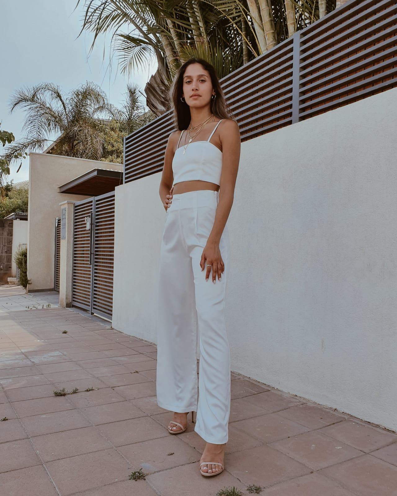 חליפת טופ קשירה - לבנה