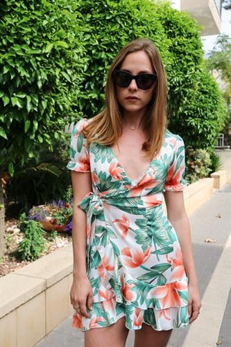 שמלת וולן פרחונית לבנה
