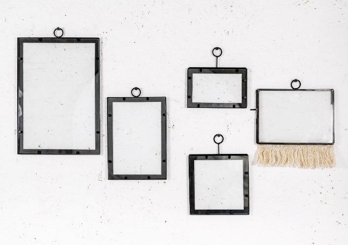 סט חמש מסגרות ברזל בשילוב זכוכית