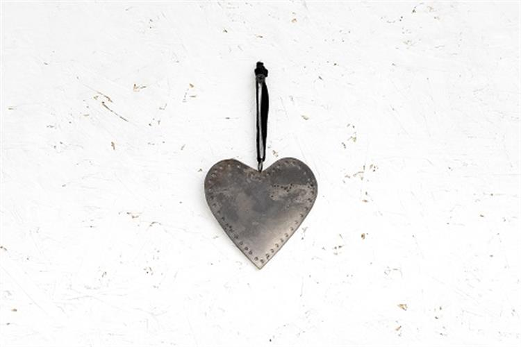לב שטוח ממתכת -כסוף מושחר (גודל S)