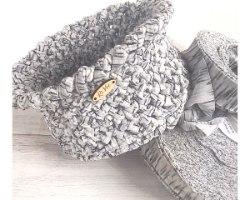 חוטי טריקו לסריגה, חוטים לסריגה , טריקו לסריגה, חוטים מיוחדים לסריגת שטיחים,חוט טריקו פסים, חוטי טריקו לסריגה ,חוטים מטריקו צבע שחור, חוטים לסריגת שטיח, חוט שחור מטריקו, חוטים לסריגת שטיחים, חוטי טריקו שחורים, סריגה בטריקו, סריגה בחוט טריקו שחור