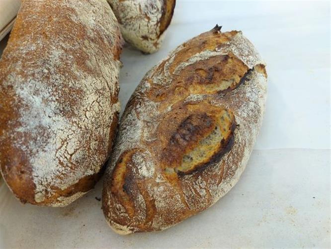 לחם מחמצת מחיטה מלאה