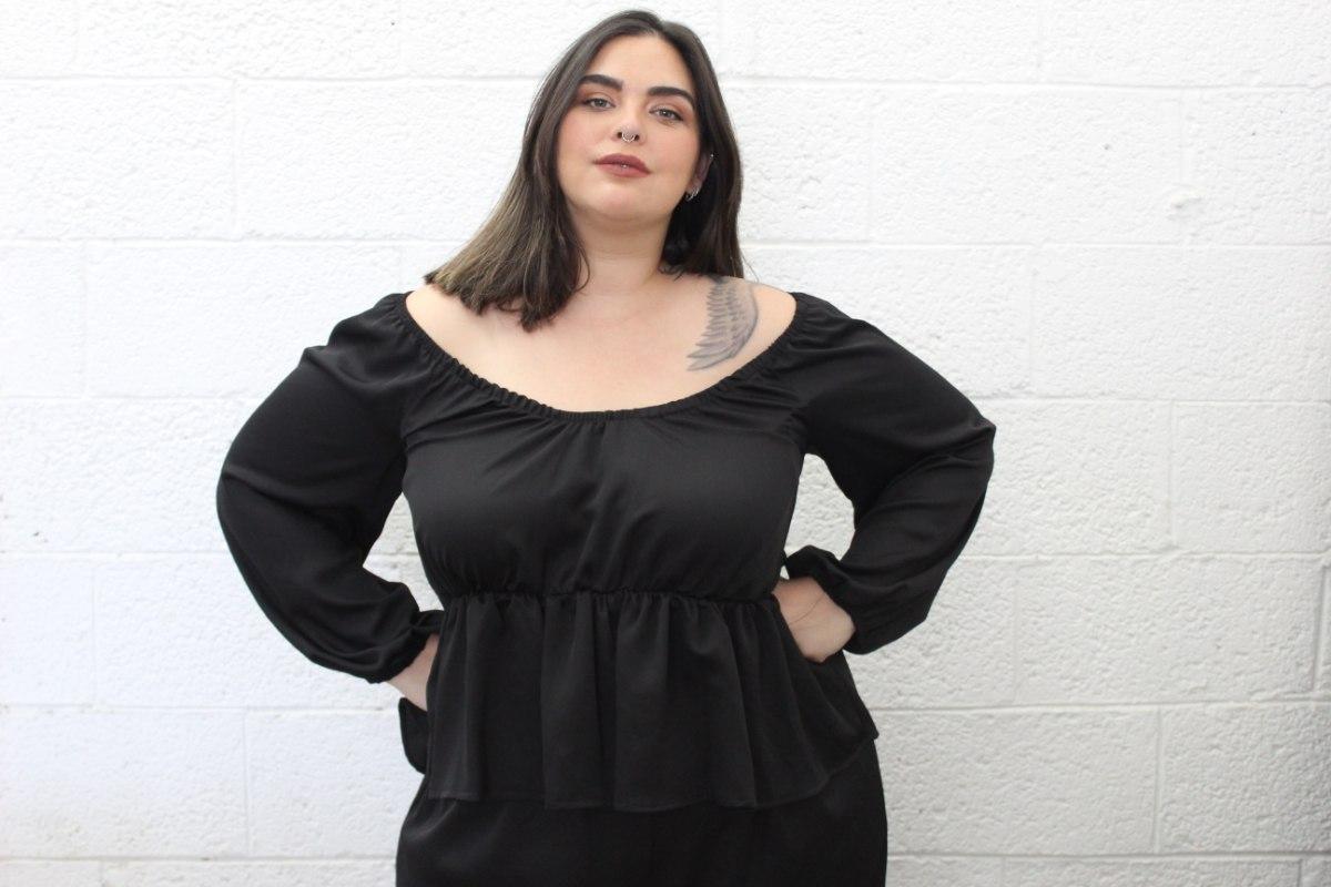חולצת קואטרו שחור