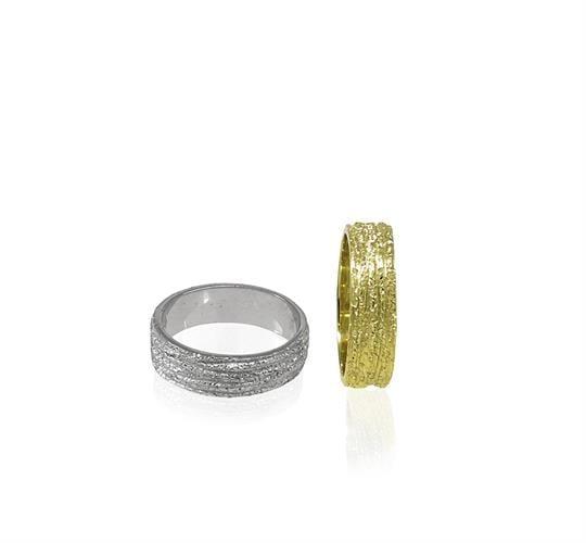 טבעת נישואין מעוצבת לאשה בזהב 14 קרט- דגם WR414
