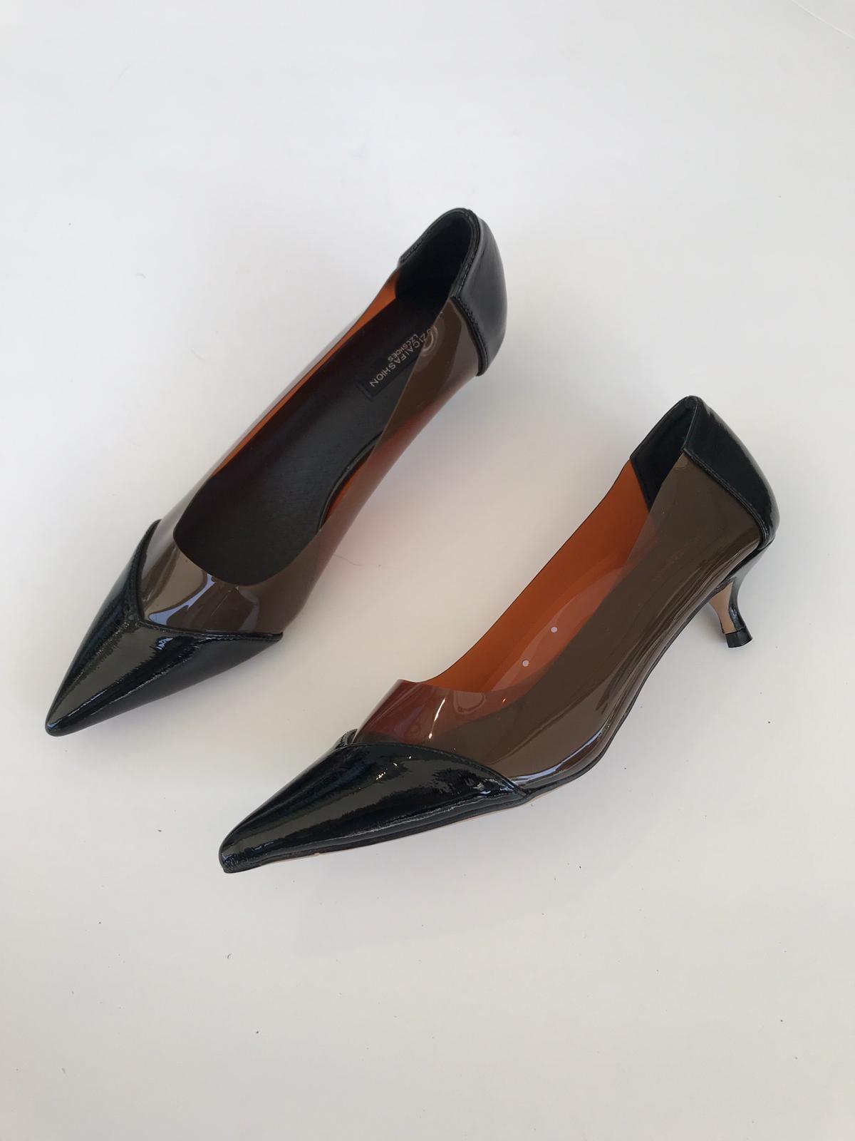 נעלי אמבר