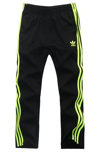 מכנסי אדידס ספורטיביים
