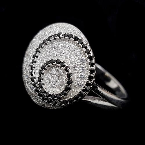 טבעת כסף עגולה משובצת אבני זרקון לבנות ושחורות RG2956 | תכשיטי כסף 925