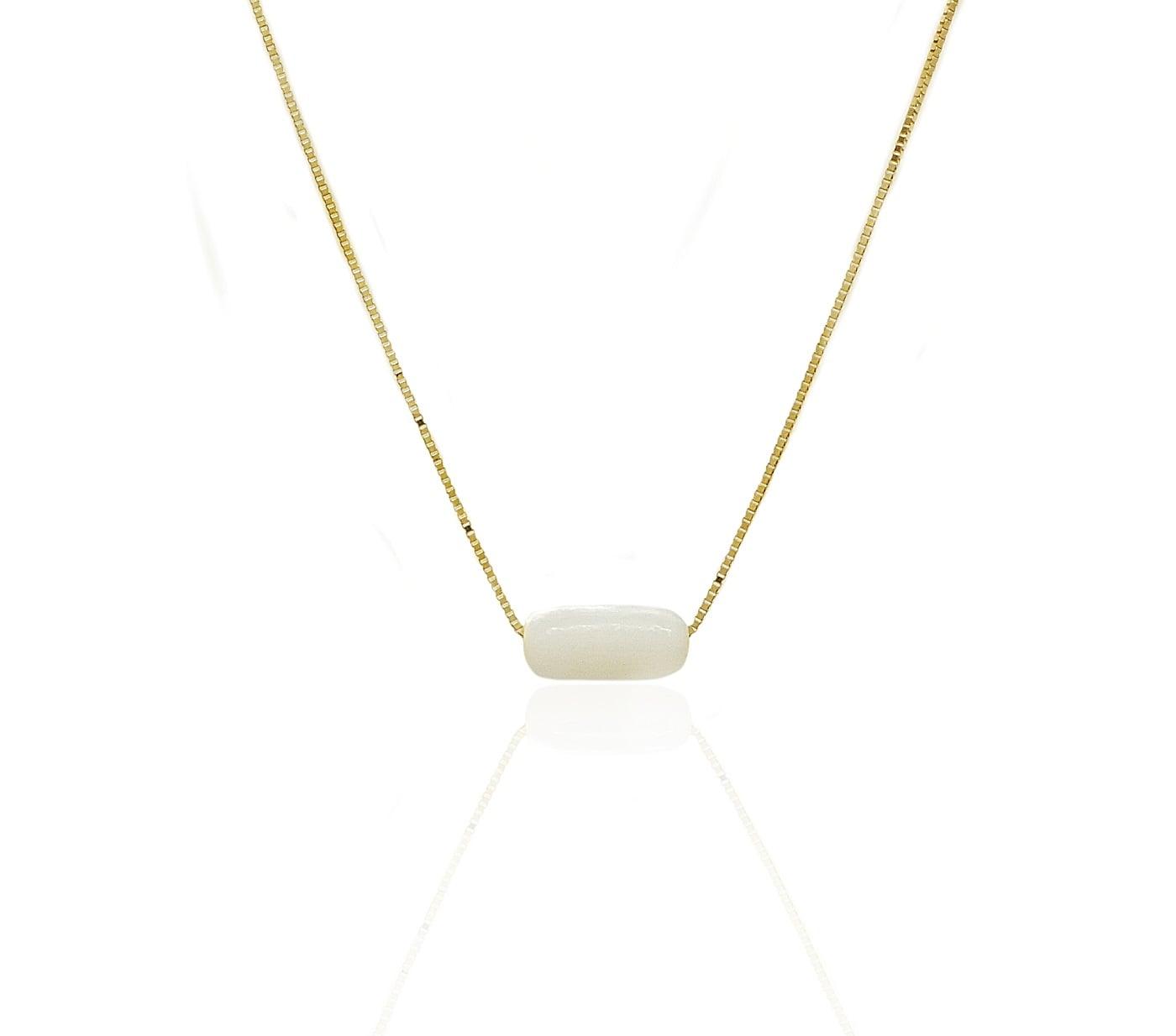 שרשרת זהב בשילוב חרוז פנינה לבן מלבני
