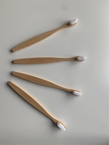 מברשות שיניים מבמבוק למבוגרים - רביעייה