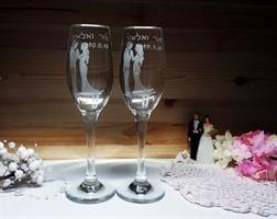 כוסות שמפניה ליום נישואים