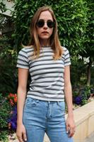 חולצת T פסים צבעונית