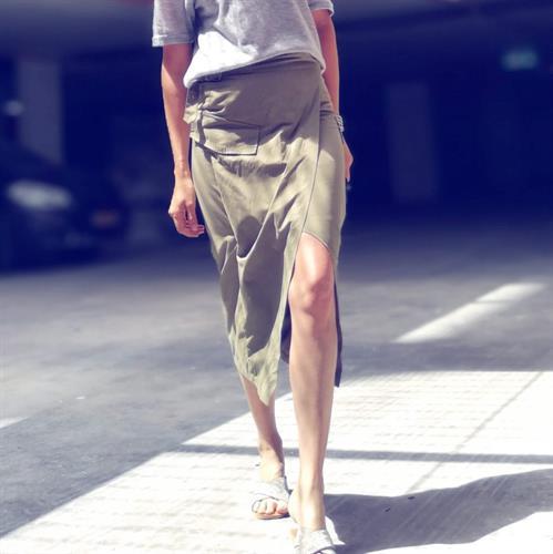 חצאית לורנס שסע פריזאית