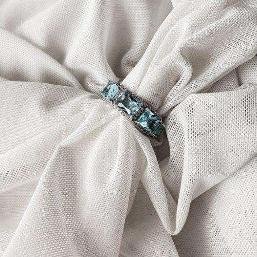 טבעת ריבועים משובצת- תכלת
