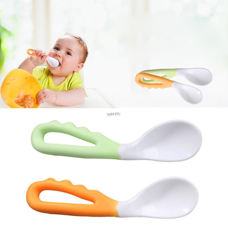 כפית מעוקלת לתינוק