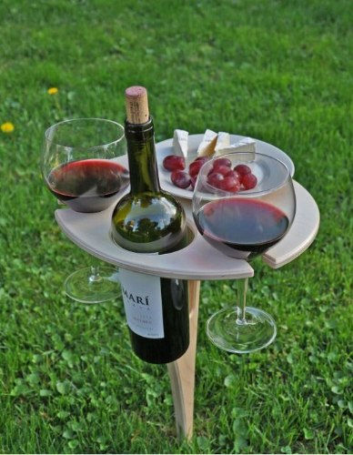 שולחן יין מתקפל
