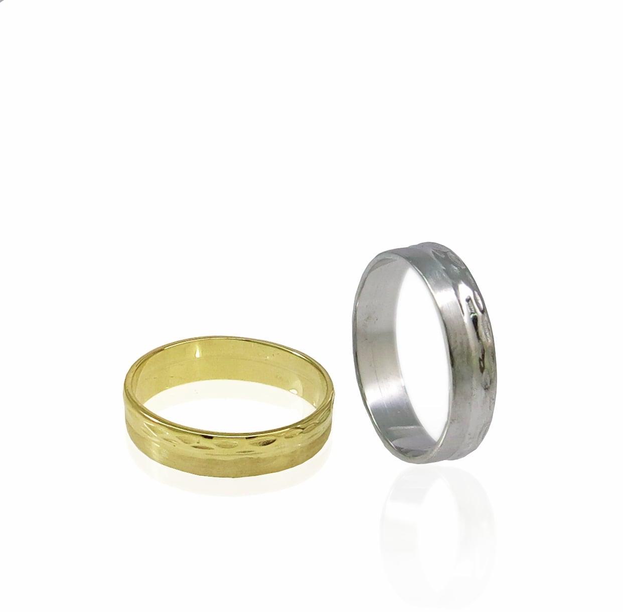 טבעת נישואין לגבר בשילוב חריטת יהלום  בזהב 14 קרט- דגם WR804