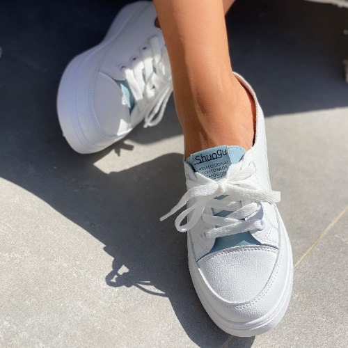 נעלי סניקרס לנשים - מיניסוטה