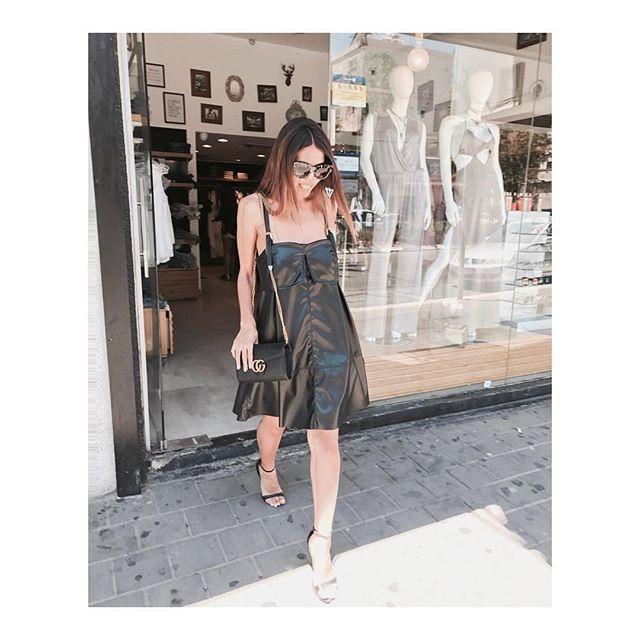 שמלת ג'וליאן שחורה