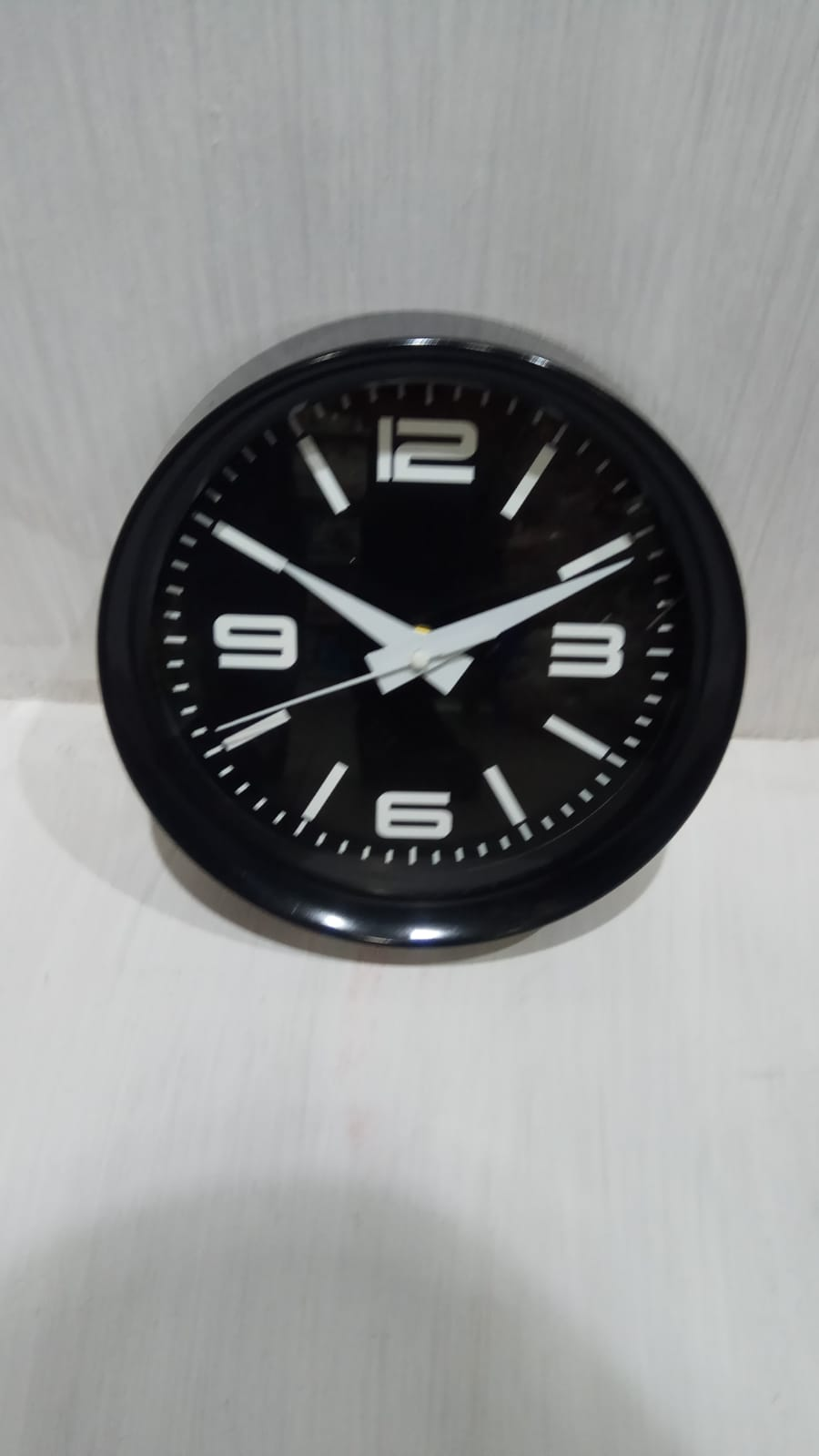 שעון קיר מעוצב צבע שחור MC0412
