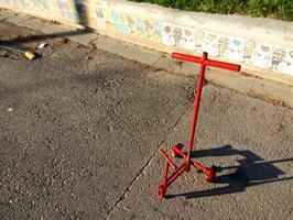 מכשיר אפציר על גלגלים לפתיחת ביובים