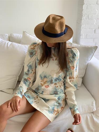 שמלת פיורי