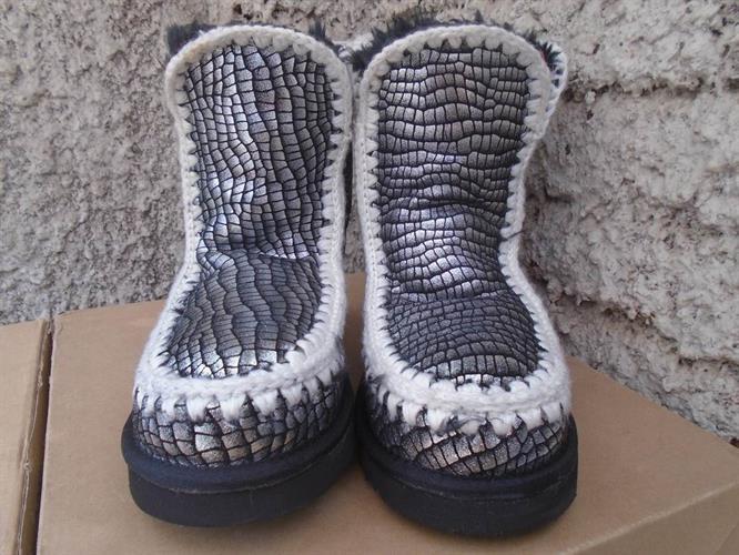 מגפי MOU הטובים בעולם עבודת יד עור כבשים אמיתי ופרווה מפנקת mid boot