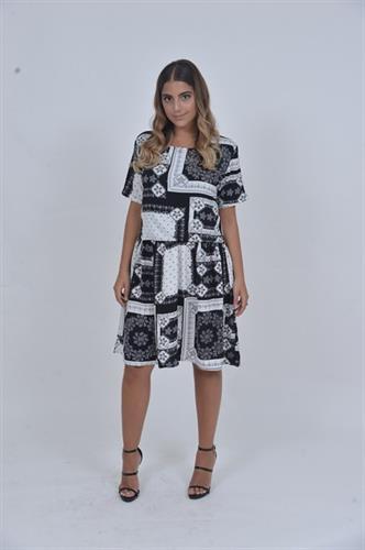 שמלת שיק שחור לבן