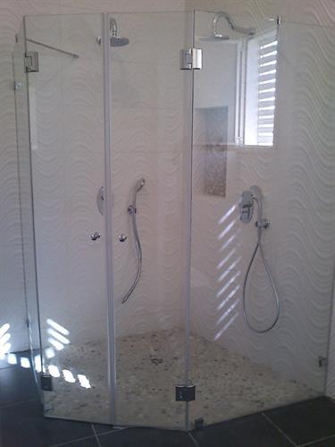 מקלחון ונציה קטום