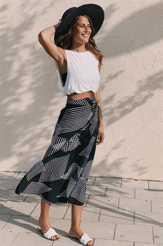חצאית מעטפת הדפס גאומטרי שחור-לבן