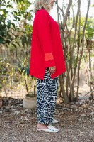 חולצות מדגם איה בצבע אדום