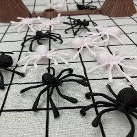עכבישים וקורים - משחק ילדים מהנה