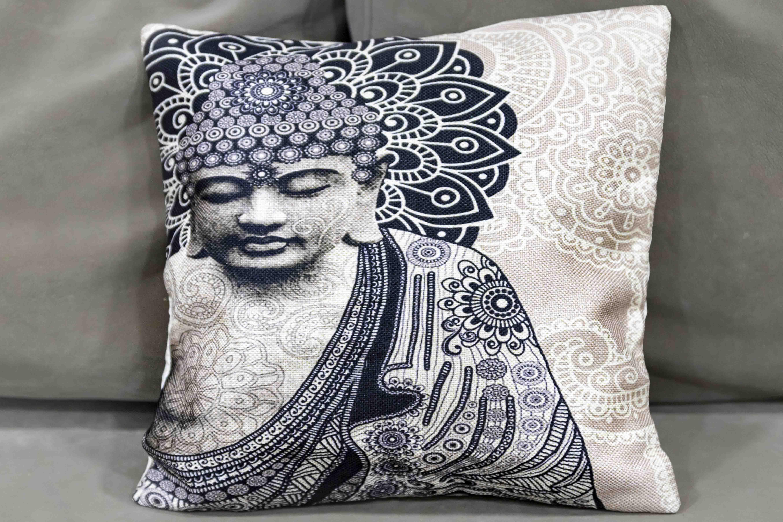 כרית בודהה שחור לבן