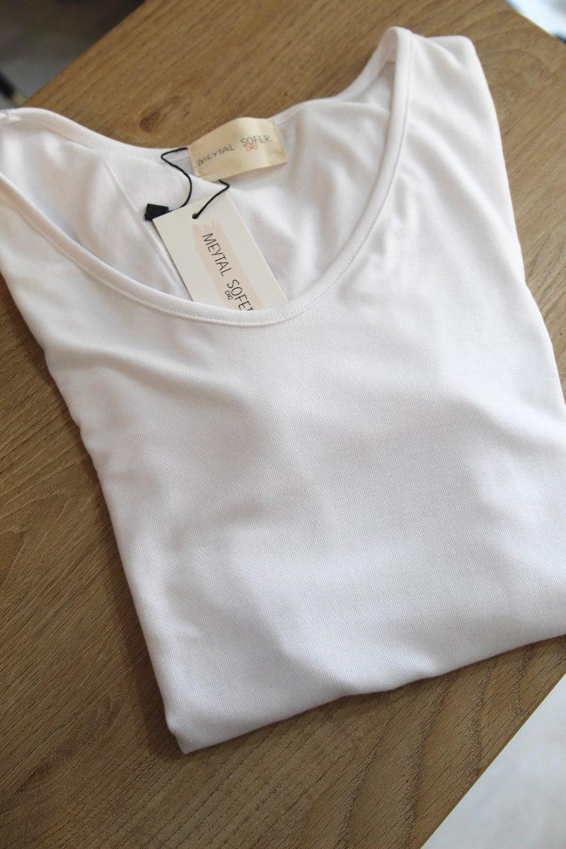 חולצת בייס לבנה