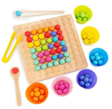 משחק לוח-עשיית יצירות שונות