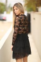 שמלה שחורה תחרה