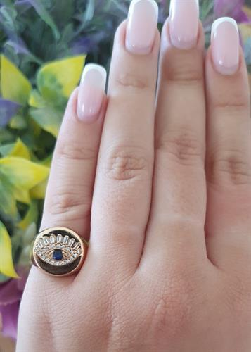 טבעת שרי עגולה עם עין משובצת