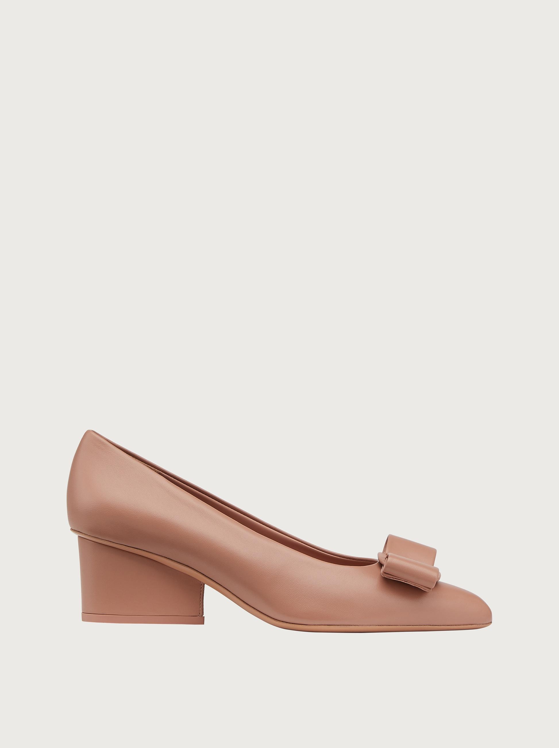 נעלי Salvatore Ferragamo VIVA 55 Ornament Pump לנשים
