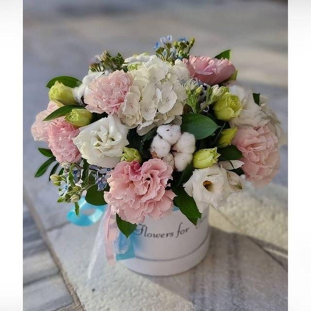 סודור  פרחים בקופסא מקט 01112 (תמונה שייכת לגודל גדול)
