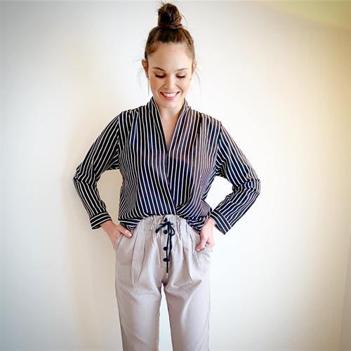 חולצת טיילור כפתורים - גוון שחור
