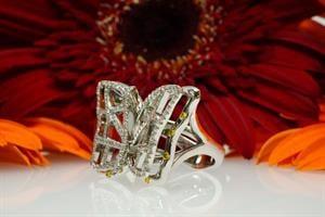"""טבעת פרפר יהלומים """"קמילה"""" 18 קראט"""