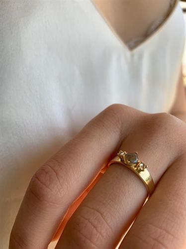טבעת שרלוט זהב 14 קראט