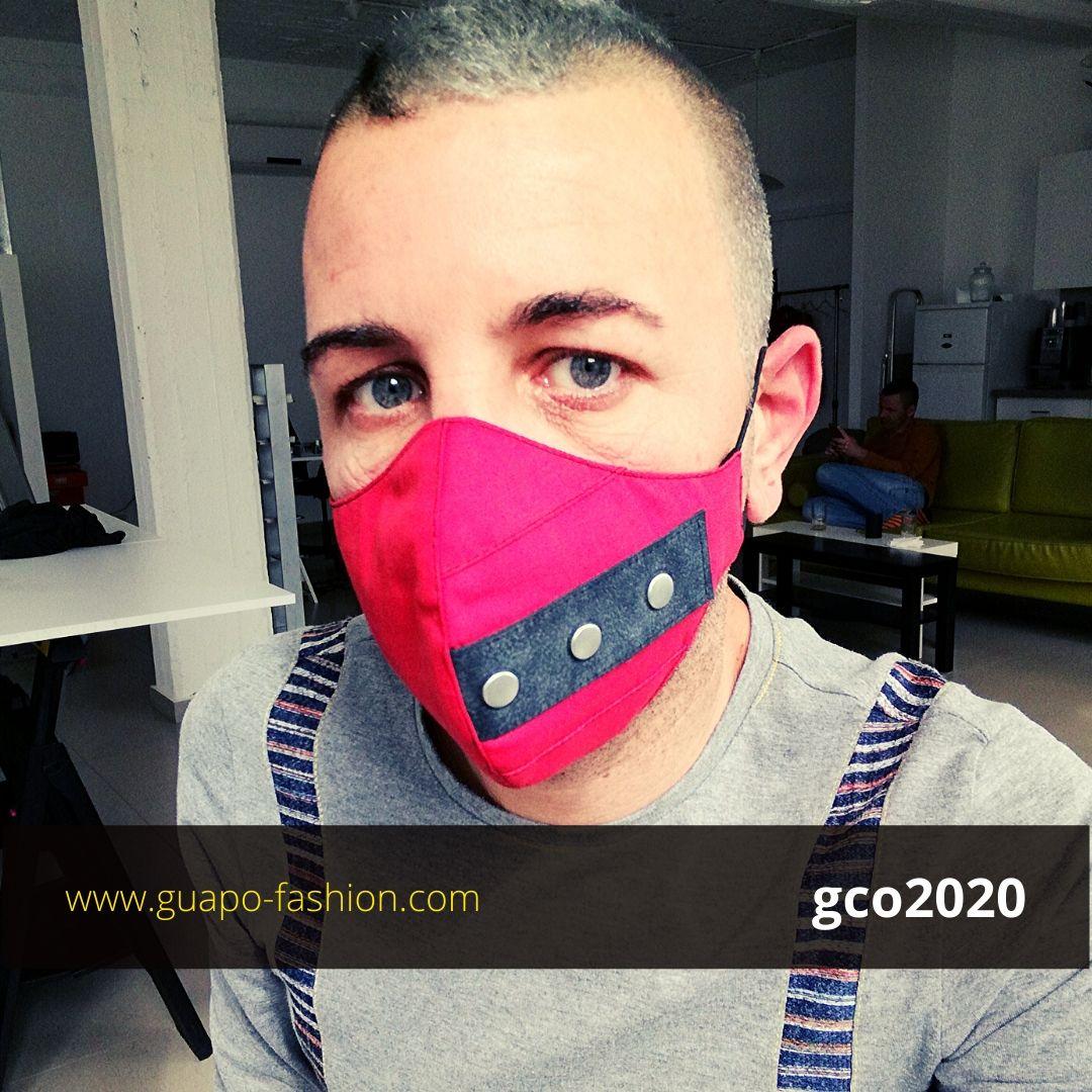 מסכת בד מעוצבת אדומה facemask