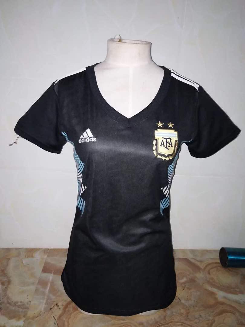 חולצת נשים ארגנטינה
