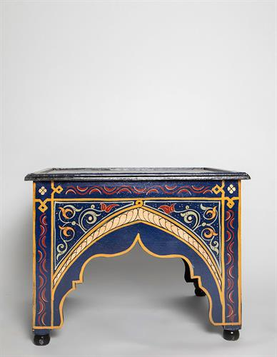 שולחן מצויר מרובע