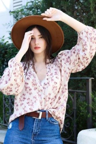 חולצת לילוש פרחונית