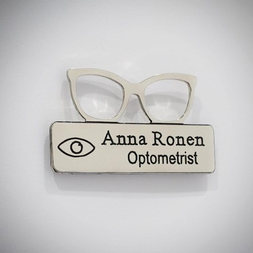 סיכת תג לרופא - משקפיים