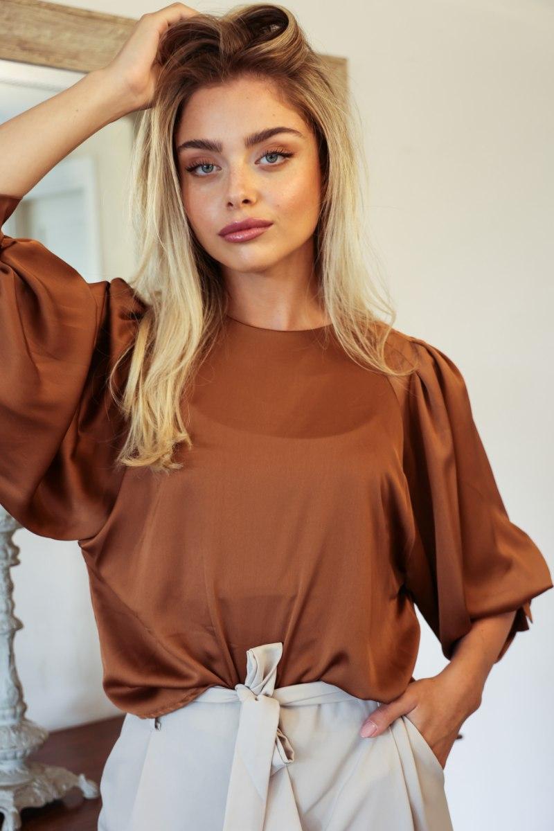 חולצת סאטן אנה